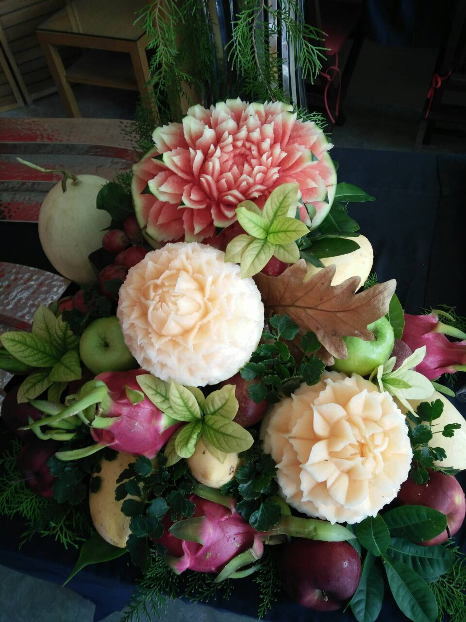 Fruits-scultés-carving-fruits-mariage