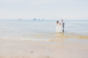 Oui-Au-Paradis-Organisation-Mariage-Thaïlande-Plage-ile-Koh-Samui-Island-Wedding-Planner-Thailand-Beach-event-eau-underwater-sous-marin-pool-piscine-subaquatique117