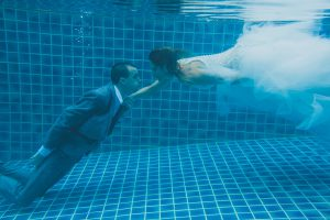 Oui-Au-Paradis-Organisation-Mariage-Thaïlande-Plage-ile-Koh-Samui-Island-Wedding-Planner-Thailand-Beach-event-eau-underwater-sous-marin-pool-piscine-subaquatique90