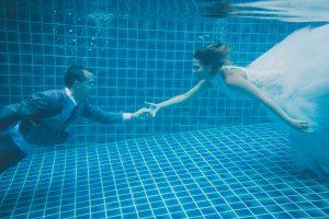 Oui-Au-Paradis-Organisation-Mariage-Thaïlande-Plage-ile-Koh-Samui-Island-Wedding-Planner-Thailand-Beach-event-eau-underwater-sous-marin-pool-piscine-subaquatique89