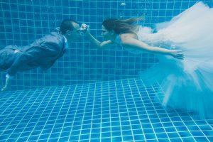 Oui-Au-Paradis-Organisation-Mariage-Thaïlande-Plage-ile-Koh-Samui-Island-Wedding-Planner-Thailand-Beach-event-eau-underwater-sous-marin-pool-piscine-subaquatique86