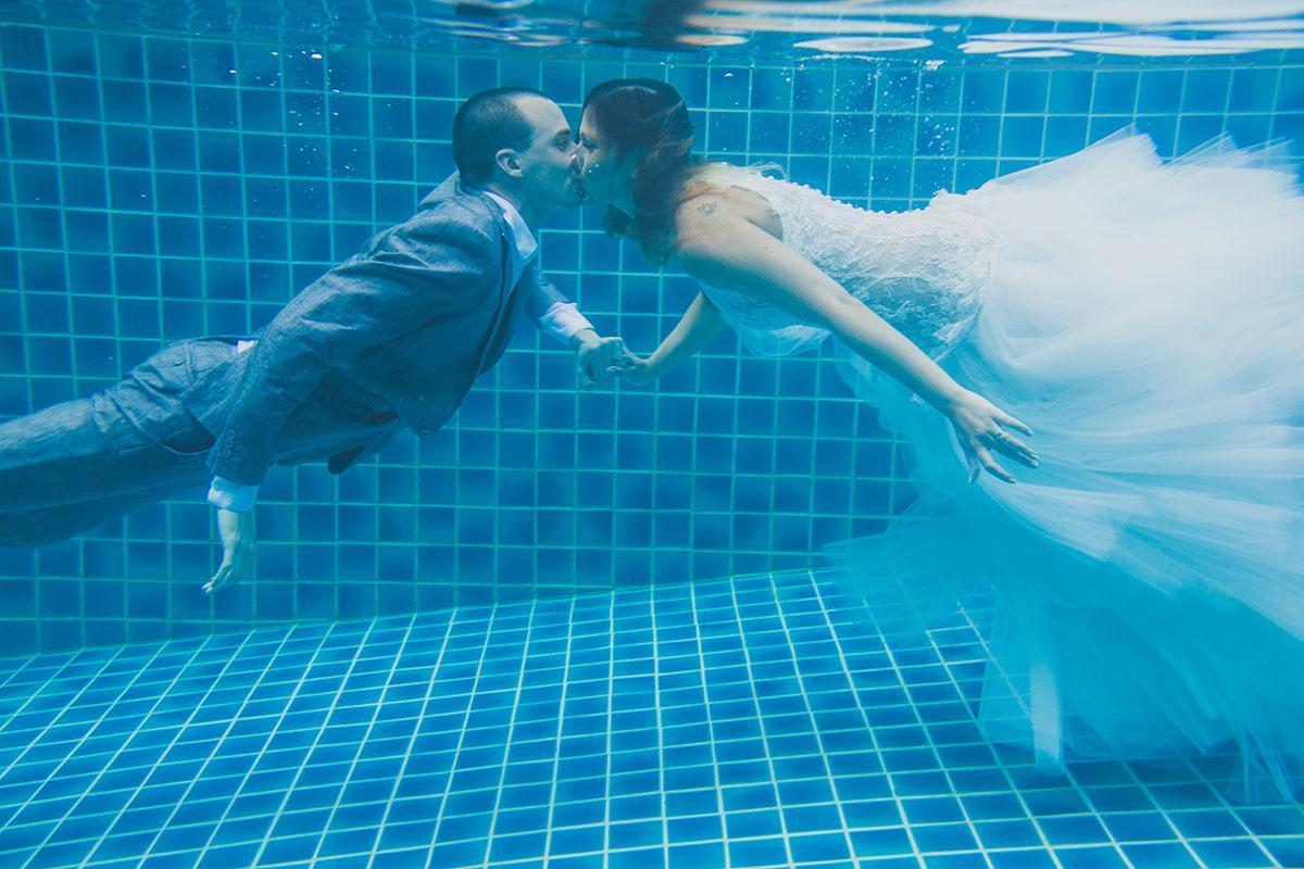 Oui-Au-Paradis-Organisation-Mariage-Thaïlande-Plage-ile-Koh-Samui-Island-Wedding-Planner-Thailand-Beach-event-eau-underwater-sous-marin-pool-piscine-subaquatique85
