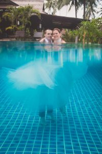 Oui-Au-Paradis-Organisation-Mariage-Thaïlande-Plage-ile-Koh-Samui-Island-Wedding-Planner-Thailand-Beach-event-eau-underwater-sous-marin-pool-piscine-subaquatique80