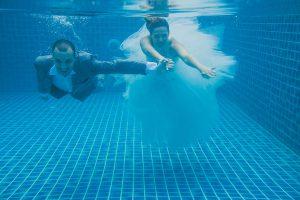 Oui-Au-Paradis-Organisation-Mariage-Thaïlande-Plage-ile-Koh-Samui-Island-Wedding-Planner-Thailand-Beach-event-eau-underwater-sous-marin-pool-piscine-subaquatique79