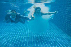 Oui-Au-Paradis-Organisation-Mariage-Thaïlande-Plage-ile-Koh-Samui-Island-Wedding-Planner-Thailand-Beach-event-eau-underwater-sous-marin-pool-piscine-subaquatique78
