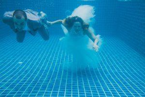 Oui-Au-Paradis-Organisation-Mariage-Thaïlande-Plage-ile-Koh-Samui-Island-Wedding-Planner-Thailand-Beach-event-eau-underwater-sous-marin-pool-piscine-subaquatique75