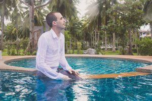Oui-Au-Paradis-Organisation-Mariage-Thaïlande-Plage-ile-Koh-Samui-Island-Wedding-Planner-Thailand-Beach-event-eau-underwater-sous-marin-pool-piscine-subaquatique66