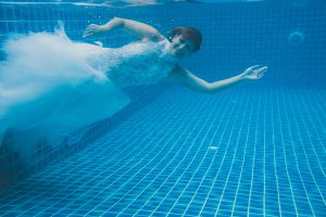 Oui-Au-Paradis-Organisation-Mariage-Thaïlande-Plage-ile-Koh-Samui-Island-Wedding-Planner-Thailand-Beach-event-eau-underwater-sous-marin-pool-piscine-subaquatique58