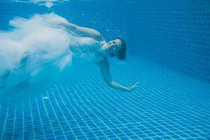 Oui-Au-Paradis-Organisation-Mariage-Thaïlande-Plage-ile-Koh-Samui-Island-Wedding-Planner-Thailand-Beach-event-eau-underwater-sous-marin-pool-piscine-subaquatique56