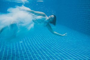 Oui-Au-Paradis-Organisation-Mariage-Thaïlande-Plage-ile-Koh-Samui-Island-Wedding-Planner-Thailand-Beach-event-eau-underwater-sous-marin-pool-piscine-subaquatique55
