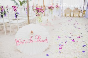 Organisation-Mariage-marier-maries-mariee-ceremonie-Thailande-Plage-ile-Koh-Samui-Island-thai-evenementiel-evenements-demande-fiancailles-EVJF-EVG-noces-voyages-Wedding-ceremony-Planner-Thailand-Beach-Events-event-request-bachelor-bachelorette-groom-bride-bridal-chairs-tables-flowers-candles-chaises-tables-fleurs-bougies-gazebo-83