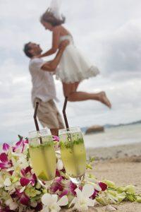 Organisation-Mariage-marier-maries-mariee-ceremonie-Thailande-Plage-ile-Koh-Samui-Island-thai-evenementiel-evenements-demande-fiancailles-EVJF-EVG-noces-voyages-Wedding-ceremony-Planner-Thailand-Beach-Events-event-request-bachelor-bachelorette-groom-bride-bridal-fleurs-decoration-demoiselle-honneur-rond-cascade-bouquet-tropicales-orchidee-flowers-bridal-groom-buttonhole-boutonniere-fleuriste-florist-26