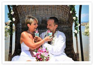 Organisation-Mariage-marier-maries-mariee-ceremonie-Thailande-Plage-ile-Koh-Samui-Island-thai-evenementiel-evenements-demande-fiancailles-EVJF-EVG-noces-voyages-Wedding-ceremony-Planner-Thailand-Beach-Events-event-request-bachelor-bachelorette-groom-bride-bridal-fleurs-decoration-demoiselle-honneur-rond-cascade-bouquet-tropicales-orchidee-flowers-bridal-groom-buttonhole-boutonniere-fleuriste-florist-27